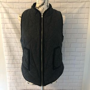 41 Hawthorn Shara wool quilted vest pockets